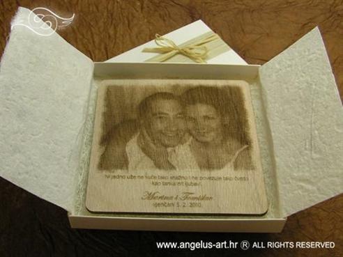 drvena zahvalnica za vjenčanje s gravurom