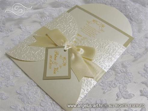 pozivnica s grafikom andela u omotnici koja se otvara poput cvijeta angel heart beauty