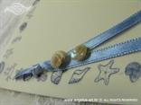 školjke na plavoj morskoj zahvalnici