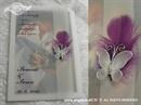 zahvalnica u prozirnoj omotnici s ljubičaastim perom i bijelim leptirom
